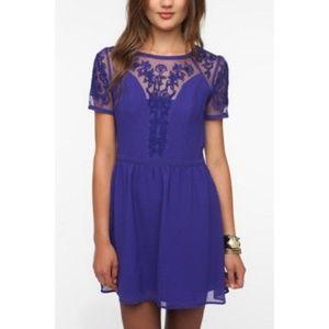 Kimchi Blue Emma Crepe Dress Lace Short Sleeve